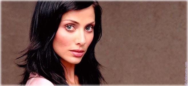 Сегодня родилась певица Натали Имбрулья