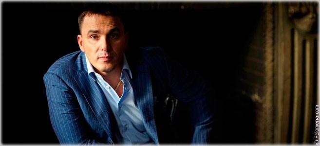 Сегодня родился певец Кирилл Андреев