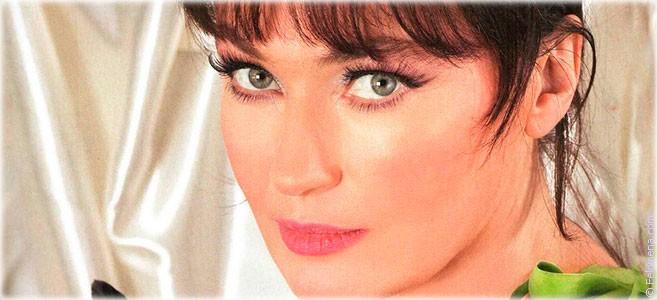 Сегодня родилась актриса и телеведущая Лариса Гузеева