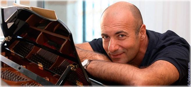 Сегодня родился музыкант Игорь Крутой