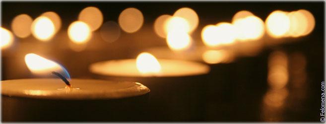 Сильный приворот на свечах (простых и церковных)