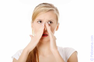 Приметы и суеверия: К чему чешется нос (кончик, переносица, под носом)?