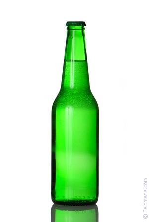 Пластиковая бутылка с водой наполовину сонник