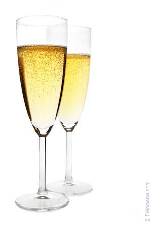 Шампанское к чему снится во сне Если видишь во сне Шампанское, что значит